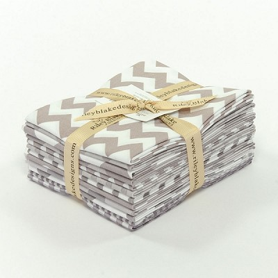 Riley Blake Basics 12 Fat Quarter Bundle in Gray